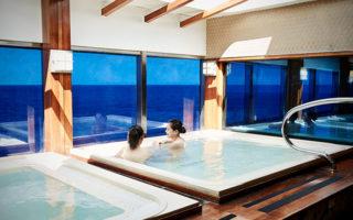 3. 洋上最大級の展望浴場「泉の湯」